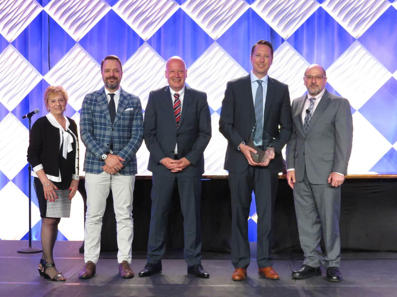 Premiazione di Koenig & Bauer Flexotecnica da parte di FTA per l'innovazione tecnica in flessografia. AR-DataGlasses per l'assistenza da remoto.