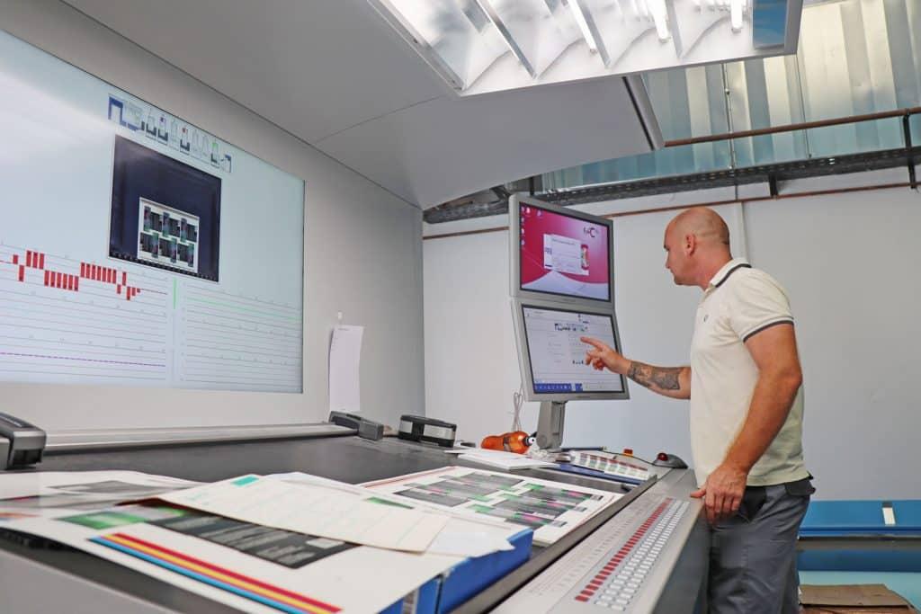 Rapida 105 PRO di Koenig & Bauer - i moduli di monitoraggio della qualità QualiTronic ColorControl e QualiTronic PDFCheck