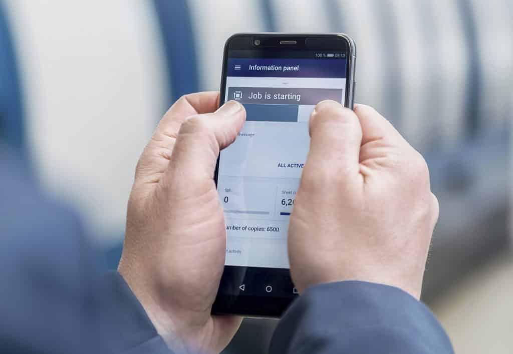 App per smartphone di Koenig & Bauer - controlla alcune funzioni della macchina da stampa