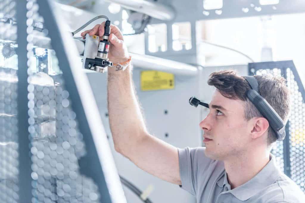 Assistenza remota macchina da stampa con gli AR-Data Glass