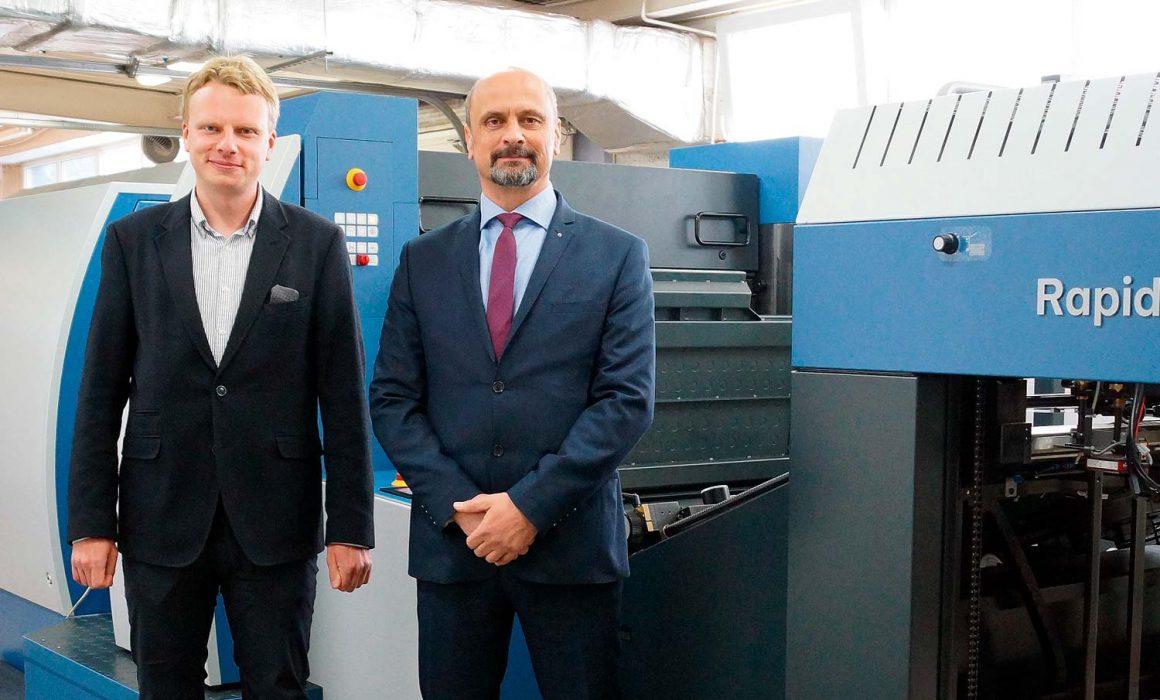 Marcel Topolski (a sinistra) ha alzato il livello della produzione di etichette IML in Polonia con la Rapida RDC 106