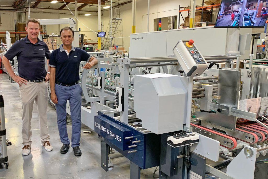 Il CEO di Ultimate Paper Box con la nuova Omega AllPro 110 dell'azienda