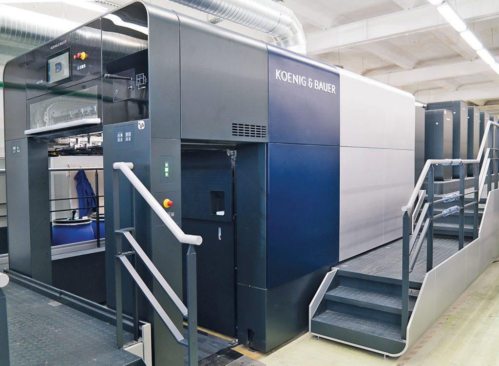 Rapida 105 di Koenig & Bauer con 6 unità di stampa, verniciatura e consegna estesa